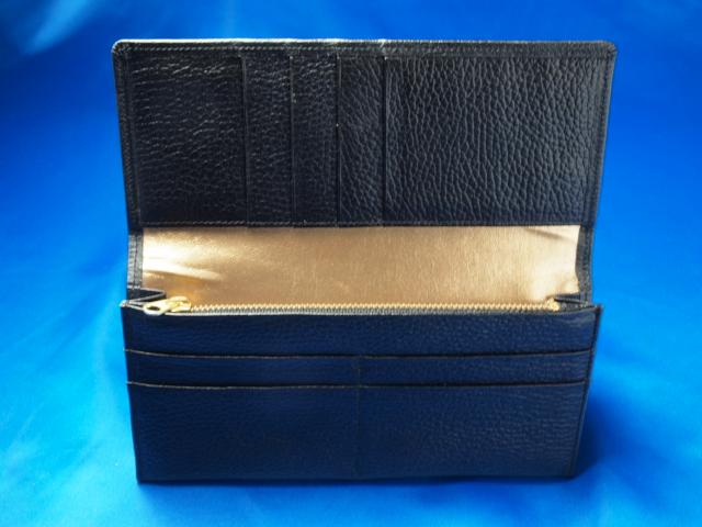 クロの長財布 中身