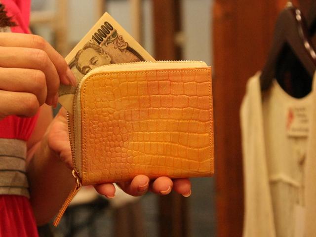 幸せの貯まる財布 ポケットインG/ピンク シーン2